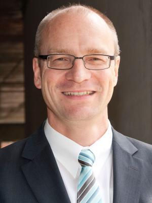 Dr. Thomas Möller